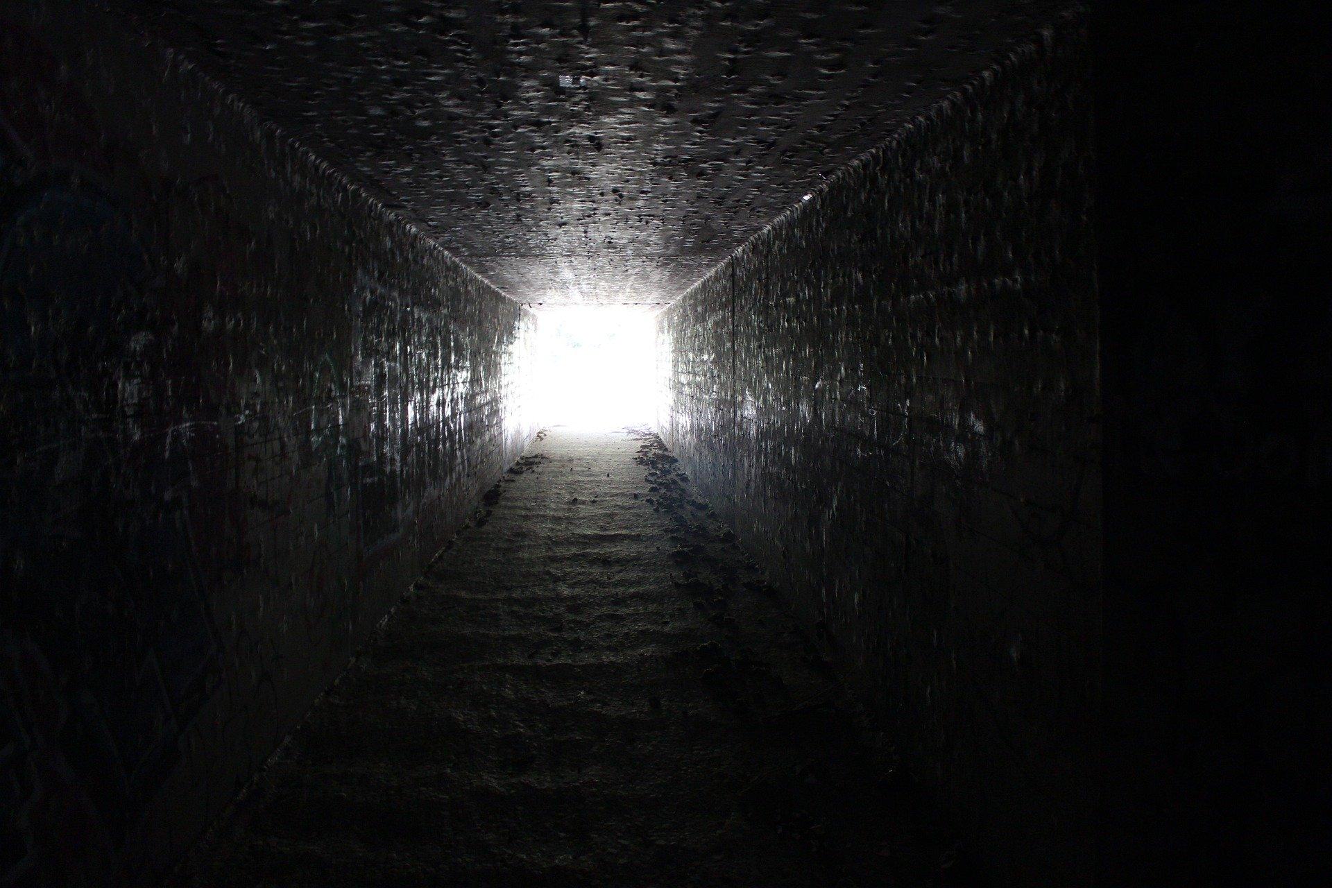 La OMS ve 'luz al final del túnel' con vacunas; pide responsabilidad en reuniones de Navidad