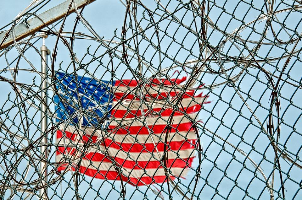Detienen a esposa de 'El Chapo' en EU por tráfico internacional de drogas - GR
